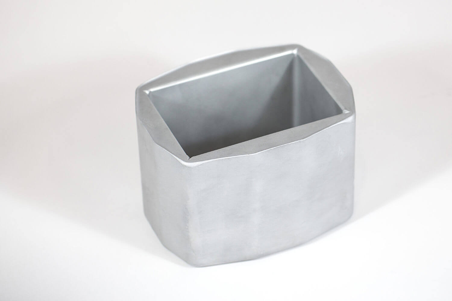 Bucket for blood bags