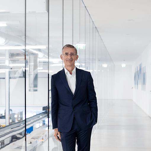 Mag. Wolfgang Plasser, CEO